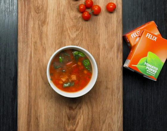 Tomatine köögivilja-läätsesupp